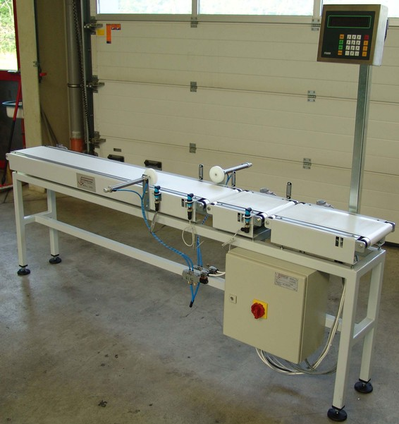 KEG check weigher for beverages industry – continuous weight check on kegs